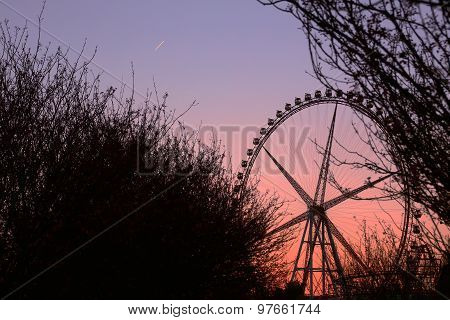 The twilight under the ferris wheel