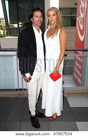 LOS ANGELES - AUG 1:  Greg Lauren, Elizabeth Berkley at the The Dizzy Feet Foundation`s Celebration Of Dance Gala at the Club Nokia on August 1, 2015 in Los Angeles, CA