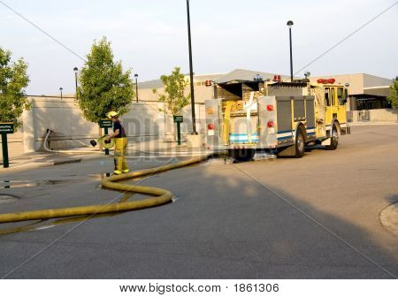 Pumper Truck Working