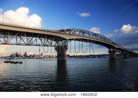 Puente de la bahía de Auckland