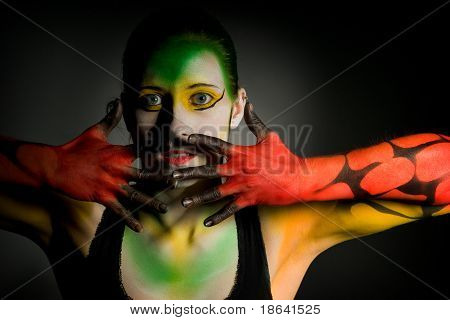 Lowkey Bodypainting