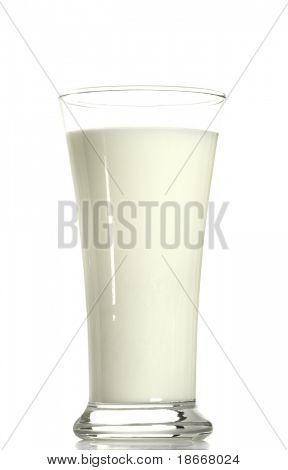 solo vidrio de leche, fondo blanco