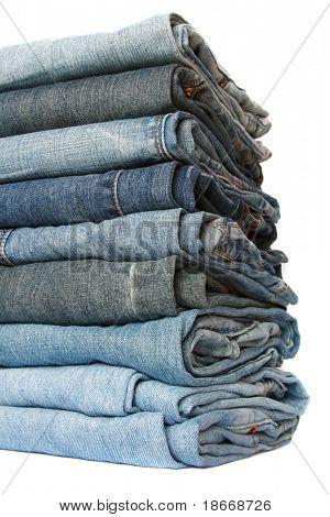 Jeans Haufen über weiß, soft-Fokus