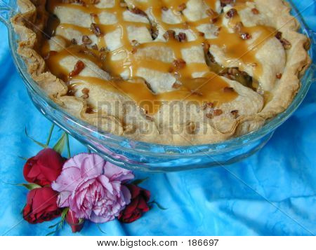 Carmel Apple Pecan Pie
