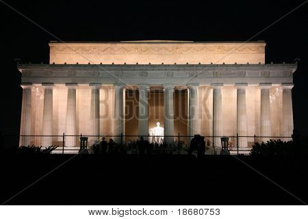 Abraham-Lincoln-Denkmal in der Nacht, Washington DC