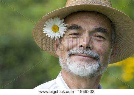 Senior sonriendo