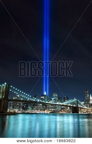 Brooklyn Brigde, Lowers Manhattan Skyline and the Towers Of Lights (Tribute in Light 9/11 memorial) 