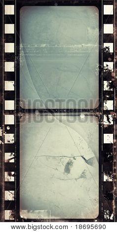 Marco de película altamente detallados de computadora diseñada con espacio para el texto o la imagen. Grunge agradable capa fo