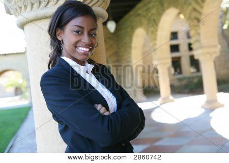 Estudante universitário de bonito
