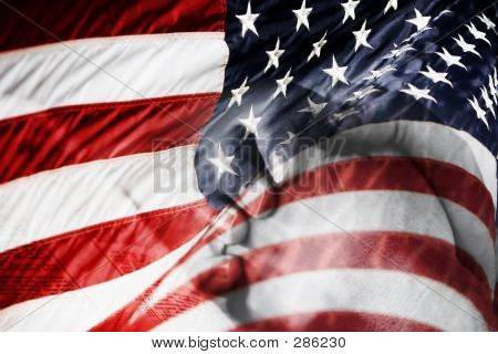 Usflagprayinghands