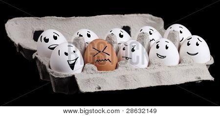 die ungeraden ein, lustige Eier mit Smiley-Gesichter