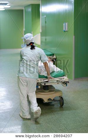 Movimientos de enfermera paciente
