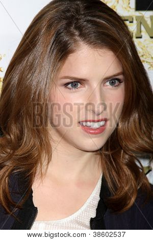 LOS ANGELES - OCT 11:  Anna Kendrick arrives at the