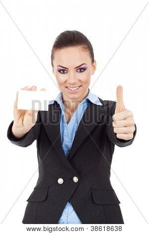 homem de negócios com raiva, acusando-o ao ler no seu tablet pad em sua mesa