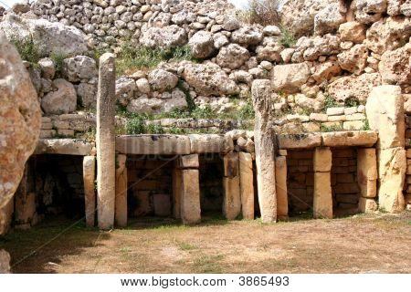 Ggantija Prehistoric Temple