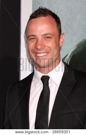 LOS ANGELES - OCT 15:  Oscar Pistorius arrives at the