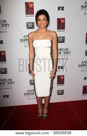 "LOS ANGELES - OCT 13: Jenna Dewan-Tatum kommt an die ""American Horror Story: Asyl"" Premiere-Scr"