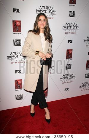 "LOS ANGELES - OCT 13:  Amanda Peet arrives at the ""American Horror Story: Asylum"" Premiere Screening at Paramount Theater on October 13, 2012 in Los Angeles, CA"