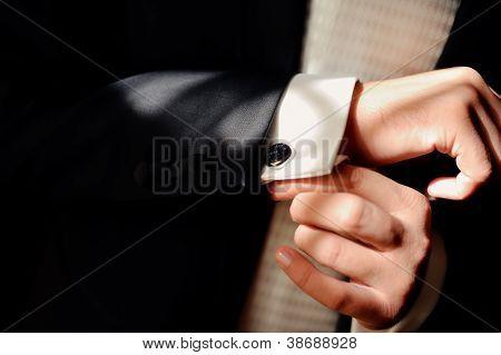 hombre vestido
