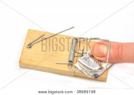 pulgar en la trampa de billete de veinte libras