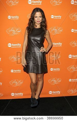"""LOS ANGELES - OCT 16:  Tammin Sursok arrives at  """"Pretty Little Liars"""" Special Halloween Episode Screening at Hollywood Forever Cemetery on October 16, 2012 in Los Angeles, CA"""