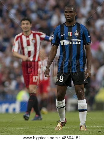 MADRID, SPAIN. 22/05/2010. Milan's forward Samuel Eto in action during the  Champions League final played in The Santiago Bernabeu Stadium, Madrid.