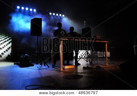 Camo and Krooked feat MC Youthstar from United Kingdom, performing a live concert