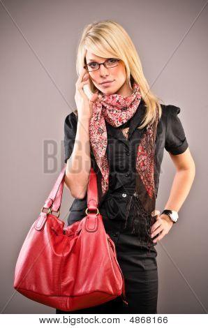 Senhora com saco