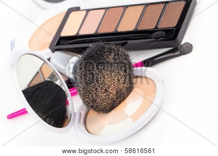 Compact Powder And Black Brush