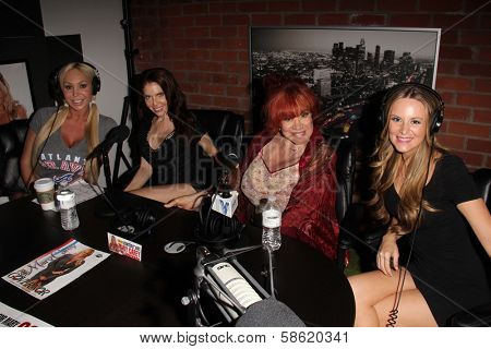Mary Carey, Erika Jordan, Kitten Natividad, Jessica Kinni at