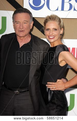 Robin Williams and Sarah Michelle Gellar at the CBS, Showtime, CW 2013 TCA Summer Stars Party, Beverly Hilton Hotel, Beverly Hills, CA 07-29-13