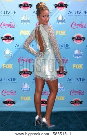 Anna Camp at the 2013 Teen Choice Awards Arrivals, Gibson Amphitheatre, Universal City, CA 08-11-13
