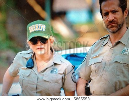 Jennifer Blanc, Richard Gunn on set of