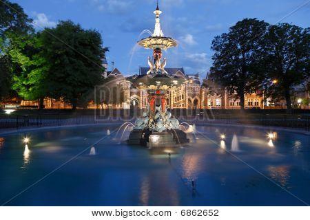 Botantical Gardens And Fountain At Dusk