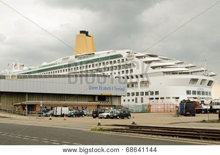 Aurora Cruise Ship, Southampton Docks