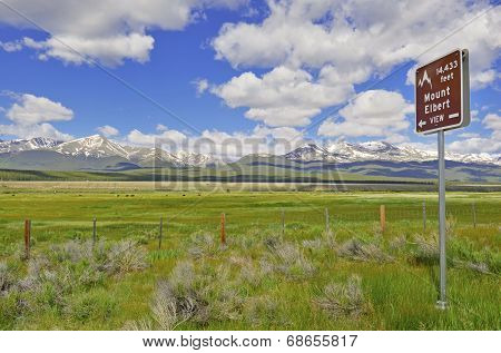 Sign Pointing to Mount Elbert