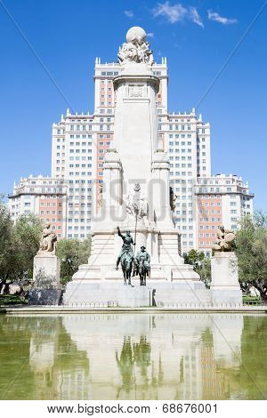 Monument to Cervantes, Don Quixote and Sancho Panza at Plaza Espana Madrid Spain