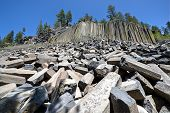 pic of mammoth  - Basalt formations at Devil - JPG
