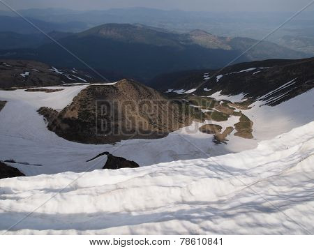 Carpathian mountains 6 under snow in spring