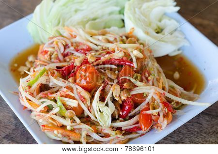 Thai Papaya Salad Serve With Vegetable