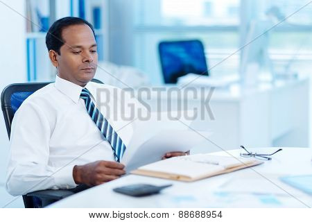 Reading business document