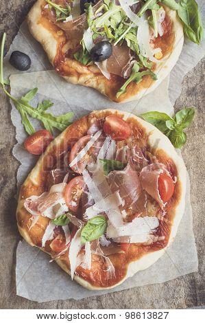Prosciutto Mini Pizza