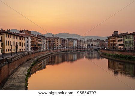 Sunrise on Arno River