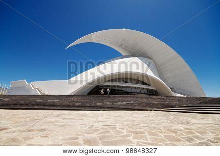 Auditorio de Tenerife - futuristic and inspired in organic shapes building