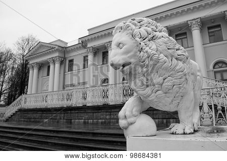 Sculptures of lions on Elagin island in St. Petersburg