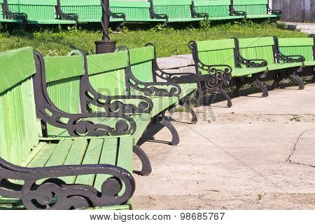 green bench outdoor amphitheater