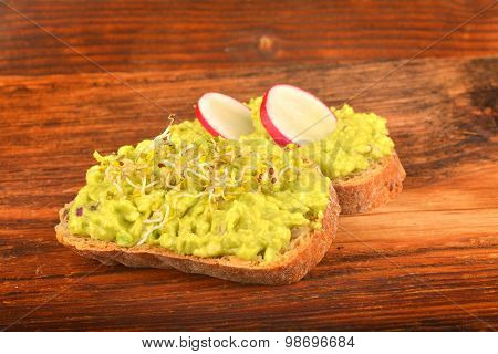 Sandwiches With Avocado, Radish And Germs