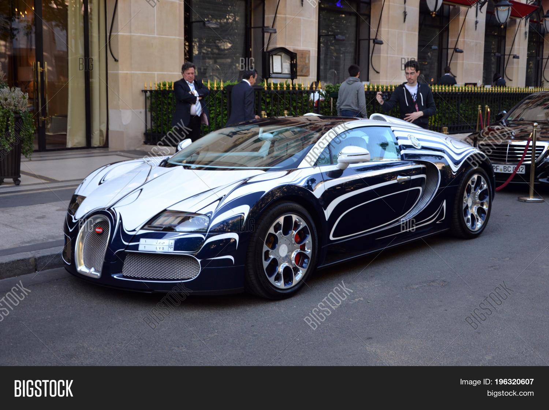 Simon Cowell to sell his 1 million Bugatti Veyron sports car