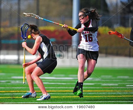 Lacrosse girls check