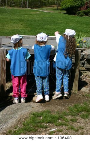Drei kleine Mädchen